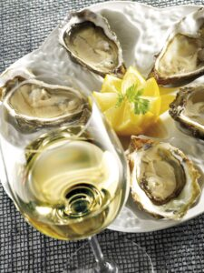 Glass_Chablis_Oysters_Wine4Food
