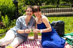 Picnic - Lori Jean Levy, Carole Mac, Cheers, Wine - WIne4Food