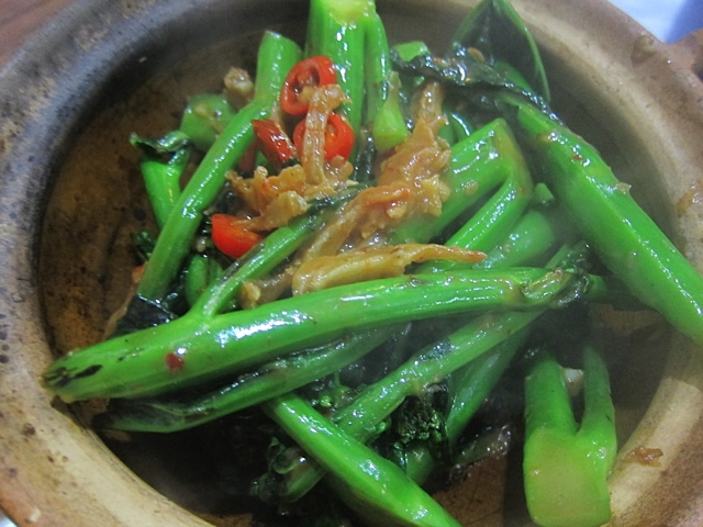 Chinese Broccoli with Shrimp Paste in the claypot at Kwan Kee