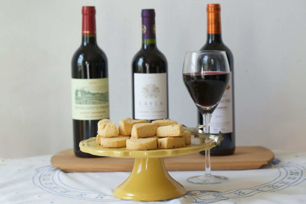Brooklyn, NY - October 5, 2016: Wine paired with Southern Cheese Straws by Nicole Taylor. CREDIT: Clay Williams. © Clay Williams / claywilliamsphoto.com