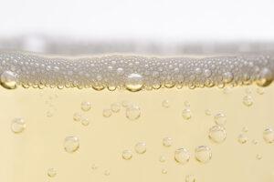 sparkling wine bubbles