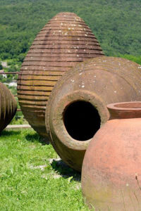 Orange / Amber wine, clay amphora - gravner - Wine4Food